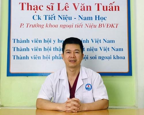 BS Lê Văn Tuấn.