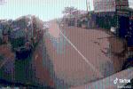 Camera hành trình đã minh oan cho tài xế ôtô tải trong pha va chạm rất mạnh với xe máy