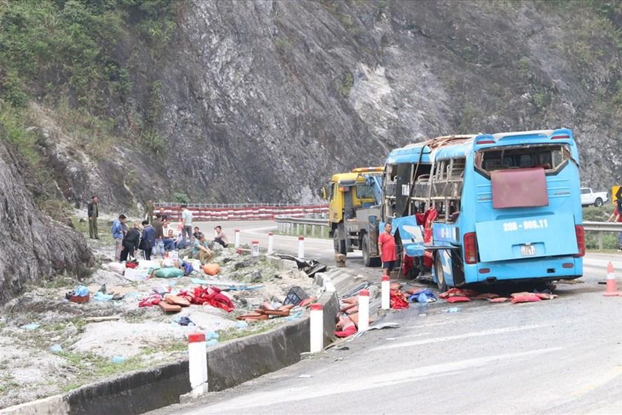 Vụ tai nạn giao thông tại Hoà Bình vào ngày 22/11 làm 12 người thương vong. Ảnh: GT.