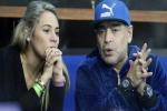 Tình cũ tai tiếng của Maradona bật khóc vì bị cấm vào lễ viếng