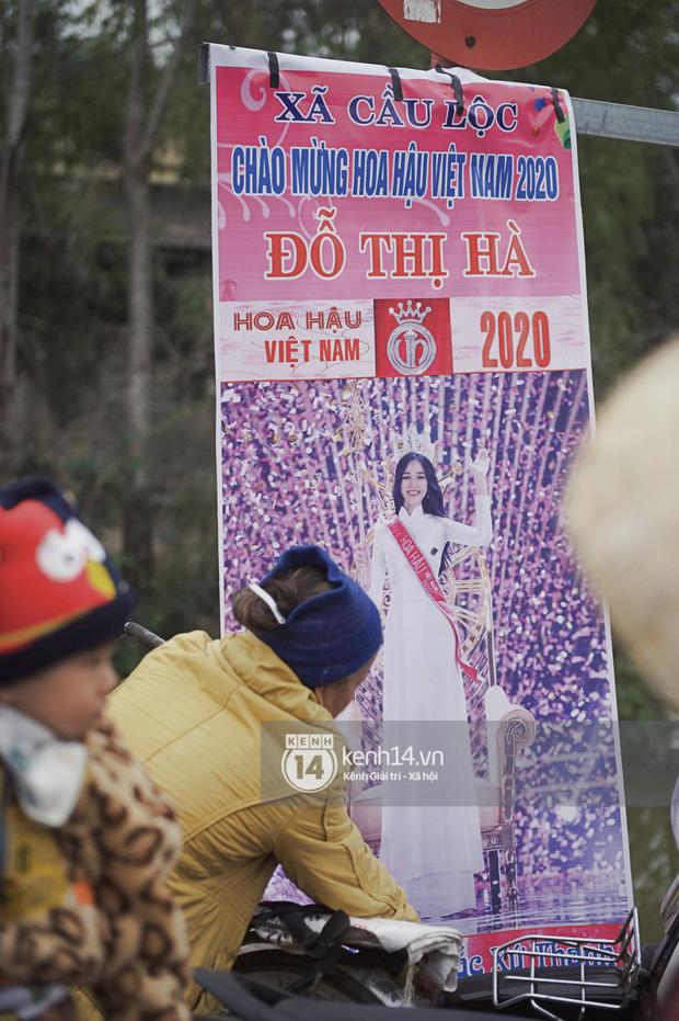 Ai cũng phấn khởi, đầy tự hào vì đây là lần đầu tiên một cô gái xứ Thanh đăng quang Hoa hậu