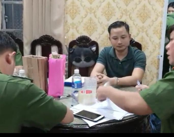 """Lê Thái Phong, con trai ông Thiện """"Soi"""" bị bắt giữ."""