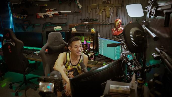 Độ Mixi là một trong 3 cái tên đứng đầu trên YouTube Việt Nam.