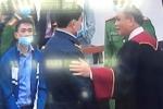 Đại biểu Quốc hội: Chủ tọa bắt tay bị cáo Nguyễn Đức Chung là không hợp pháp và phản cảm