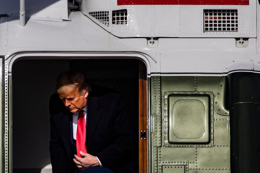 Ông Trump vẫn chưa chấp nhận thua cuộc dù đại cử tri đã bỏ phiếu cho ông Biden. Ảnh: New York Times.