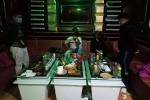 Hải Dương: Phát hiện 7 đối tượng đang 'bay lắc' trong phòng hát karaoke