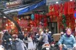 Vừa bước vào năm mới 2021, người dân đã nô nức mua sắm đồ trang trí Tết Nguyên đán