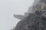 Du khách rơi từ mỏm đá 'tử thần' ở đèo Mã Pì Lèng