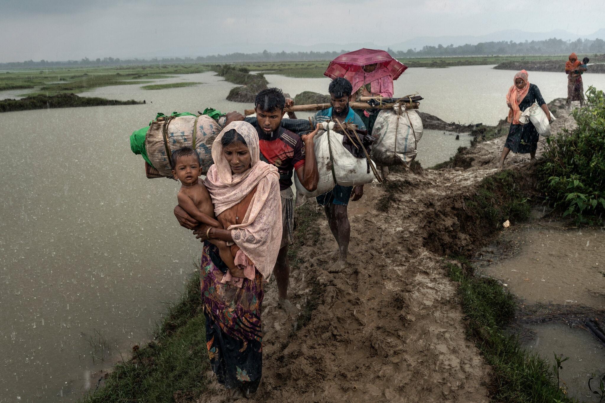 Người thiểu số ở một số bang của Myanmar phải tị nạn sang Bangladesh do tình hình bạo lực, bất ổn. Ảnh: New York Times.