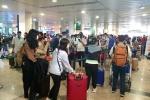 Covid-19 trở lại, đến sân bay để về quê ăn Tết thế nào an toàn?