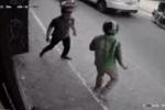 Người đàn ông mở cửa ôtô lao xuống, đuổi đánh tài xế Grab: Tình huống trước đó gây tranh cãi