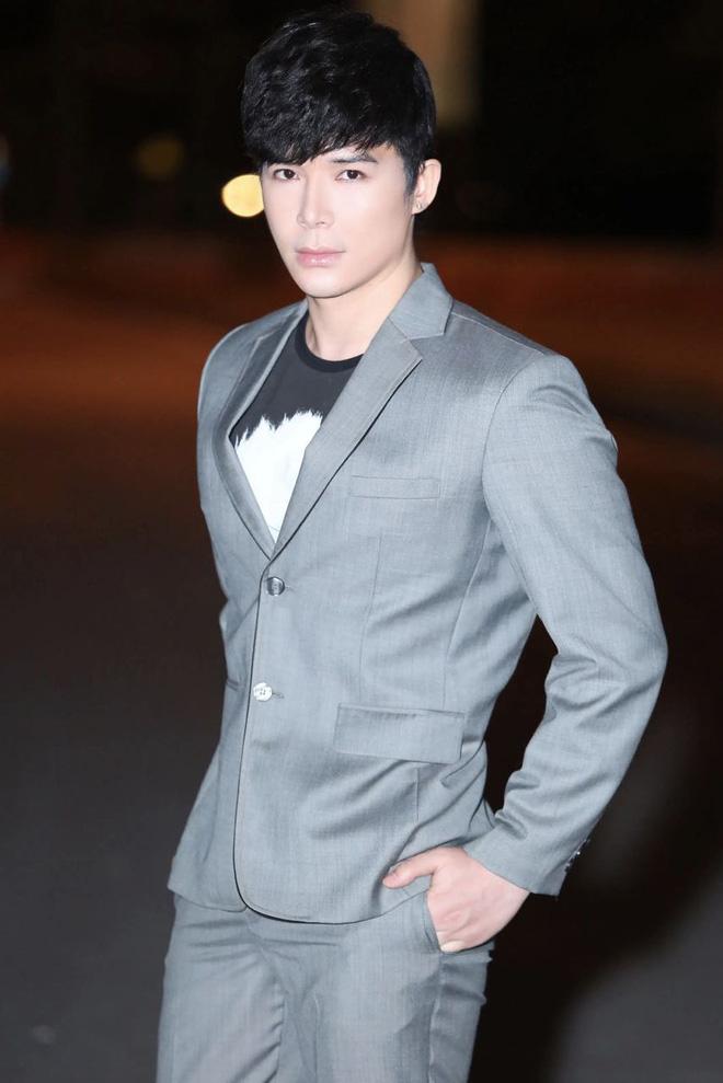Netizen cho rằng Nathan Lee đang muốn mỉa mai, nhắc khéo Ngọc Trinh nhưng anh không lên tiếng thừa nhận cũng không phủ nhận