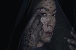 'Nữ hoàng phù thủy' nổi danh nhất thế giới với quyền năng kỳ bí: 80 tuổi vẫn trẻ đẹp như gái 30, cứu người bệnh không cần thuốc