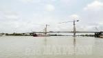 Hợp long nhịp chính cầu Quang Thanh nối huyện An Lão (Hải Phòng) với huyện Thanh Hà (Hải Dương)