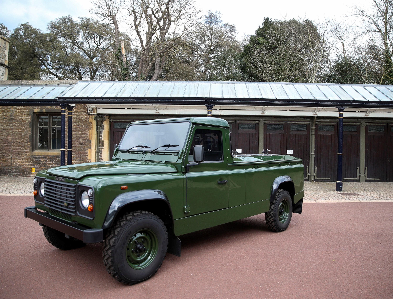 Chiếc xe Land Rover sẽ được sử dụng trong tang lễ của Hoàng thân Philip. Ảnh: Reuters.