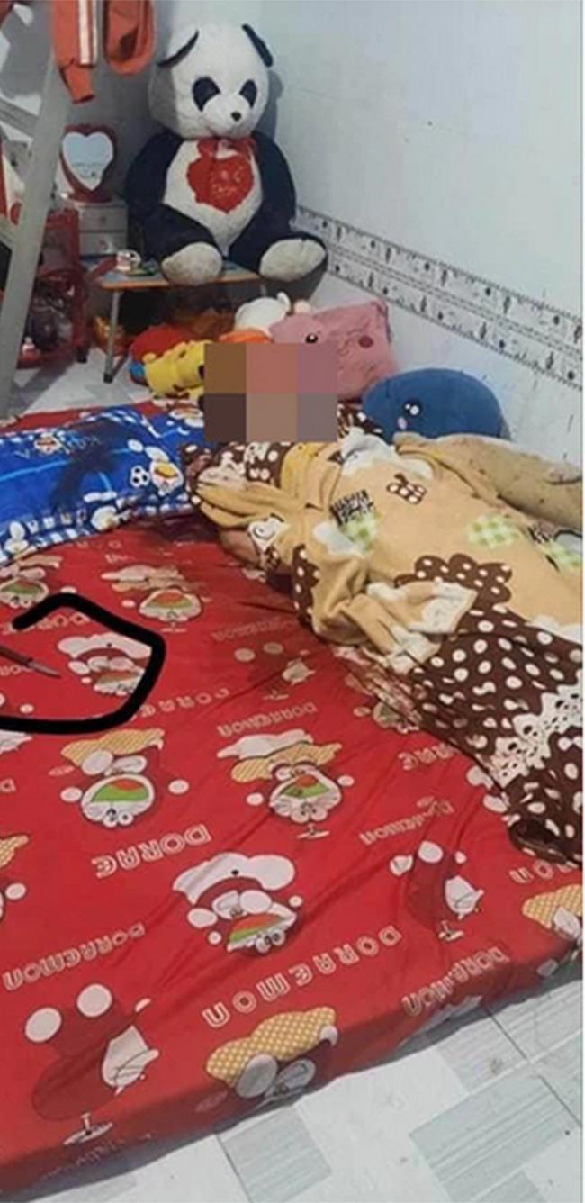 Hiện trường căn phòng trọ - nơi chị Nhung tử vong với nhiều vết đâm.