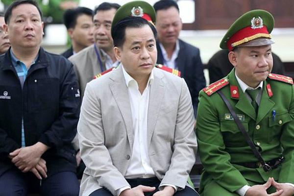 Phan Văn Anh Vũ trong một phiên tòa.