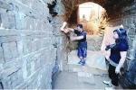 Công nhân nổ ngọn núi để làm đường bỗng phát hiện huyệt mộ 15m, tức tốc báo chuyên gia: Bí mật ngàn năm hé lộ