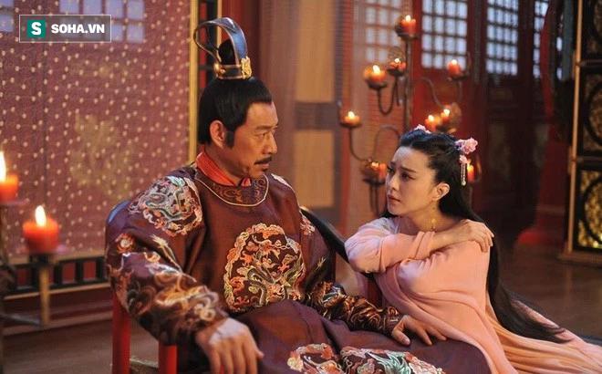 Hình ảnh nhân vật Lý Thế Dân và Võ Tắc Thiên trên phim.