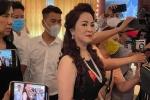 Bà Phương Hằng tiết lộ có nghệ sĩ gọi điện ủng hộ nhưng 'từ chối vì đủ sức chơi một mình'