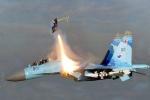 Hai phi công tiêm kích Su-30SM Nga đột ngột bị bắn văng ra khỏi máy bay ở điểm nóng Crimea