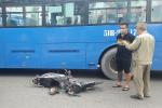 Bị cuốn vào gầm xe buýt ở TP.HCM, người đàn ông may mắn thoát chết