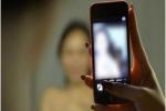 Nhìn thấy đoạn clip nhạy cảm trên mạng, cô gái 18 tuổi chết lặng khi nhận ra nữ chính là chính mình