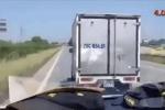 Xác định danh tính tài xế xe tải 'giả điếc' không nhường đường cho xe cấp cứu chở bệnh nhân COVID-19
