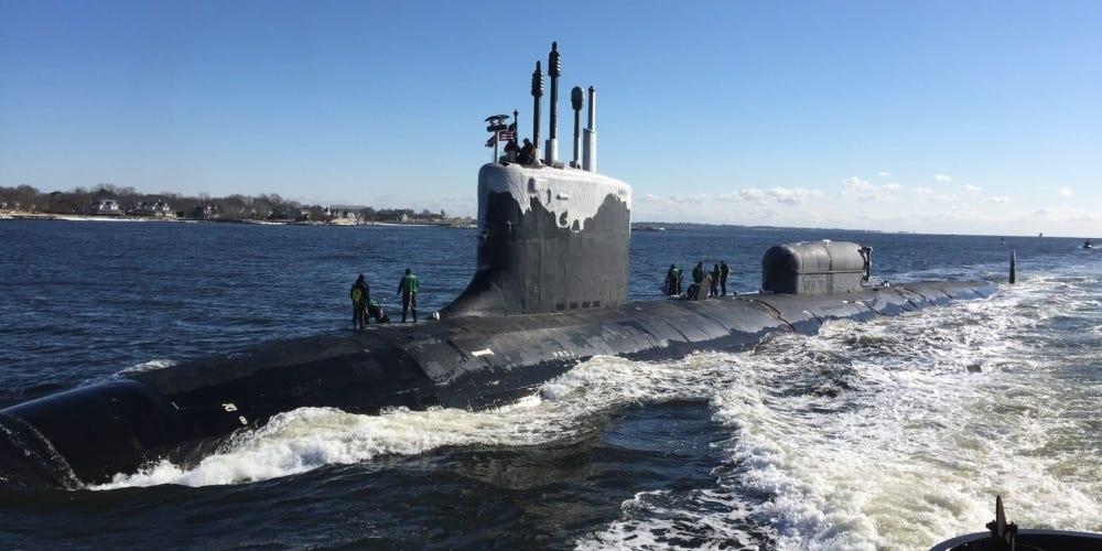Virginia là lớp tàu ngầm đầu tiên trên thế giới được trang bị hệ thống cột buồm lượng tử ánh sáng, thay cho kính tiềm vọng. Ảnh: Hải quân Mỹ.
