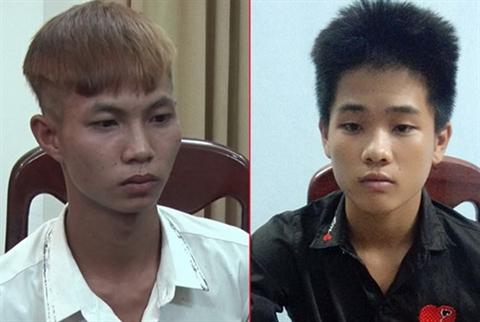 Hai đối tượng Nguyễn Lâm và Đặng Phúc Công sau khi bị bắt.