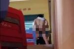 SỐC: Xuất hiện clip nghi là thầy giáo 'mây mưa' với học sinh nam ngay trên bục giảng