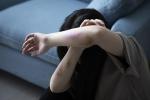 Cô ruột và dượng đánh đập dã man cháu gái 6 tuổi