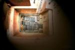 Ngôi mộ cổ 2.500 năm chứa 46 thi thể cô gái khỏa thân phát sáng và bí ẩn đáng sợ