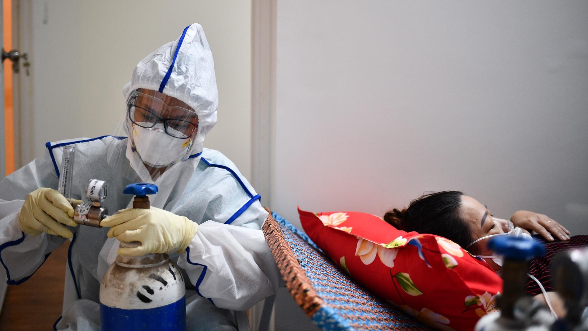 TP.HCM đang tập trung điều trị cho các bệnh nhân Covid-19 chuyển nặng. Ảnh: Duy Hiệu.