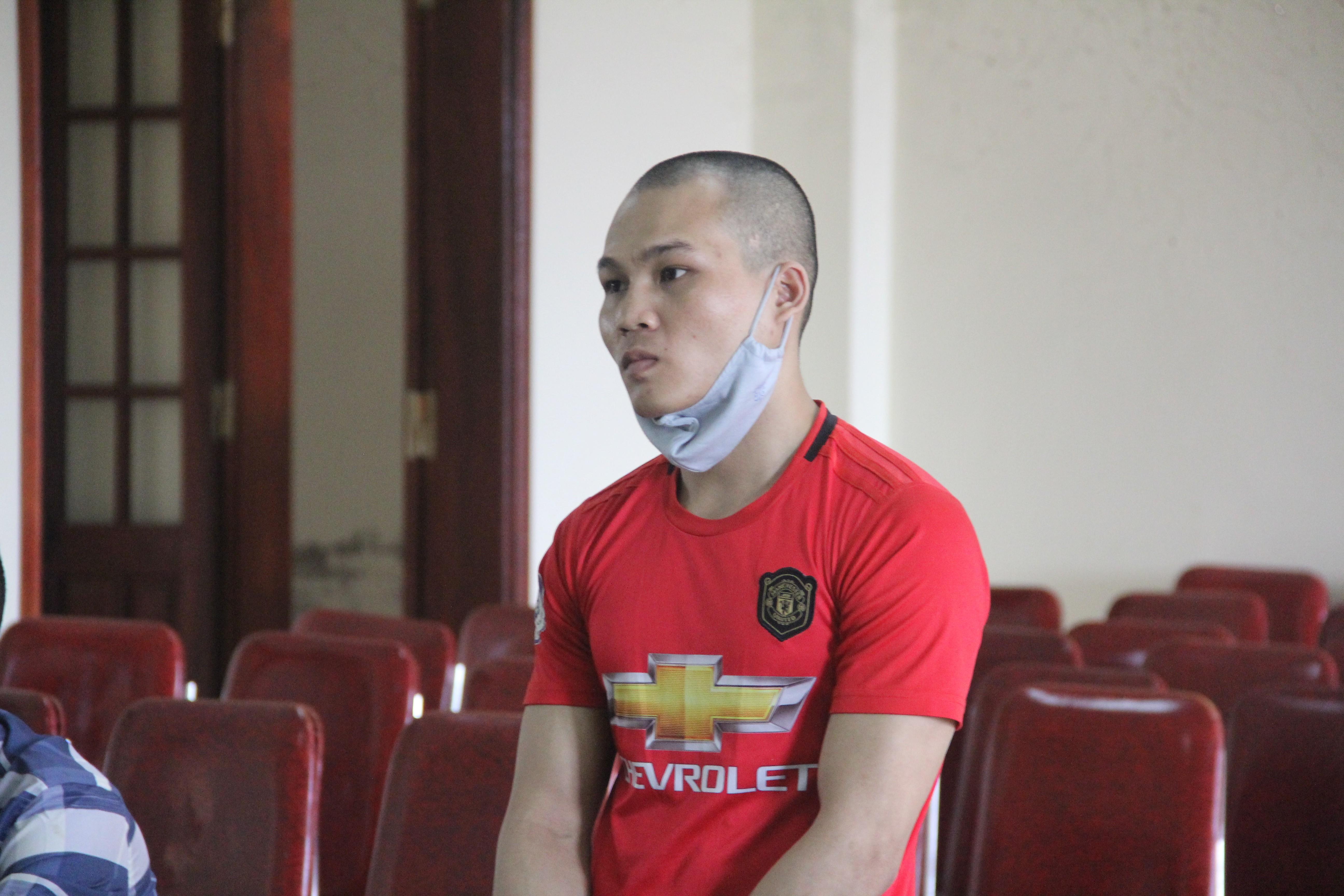Với hành vi bán em gái, Cụt Văn Dao phải nhận mức án 12 năm tù.