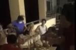 Tụ tập hát hò 'liên hoan' mừng hết cách ly, nhóm người bị xử phạt, chưa được phép rời khỏi khu cách ly