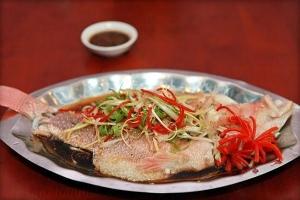 Cách làm cá hấp xì dầu tại nhà ngon hơn ngoài hàng