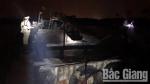 Bắc Giang: Pháthiện 2 tàu vận chuyển cát, sỏi trái phép