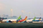 Áp giá sàn vé máy bay: Bất cập nhiều hơn khả thi