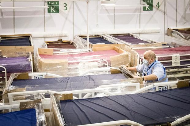 Bệnh viện từ chối bệnh nhân, người Mỹ lại chết ngạt giữa cơn bão biến chủng Covid (Delta) quá hung hãn - 2