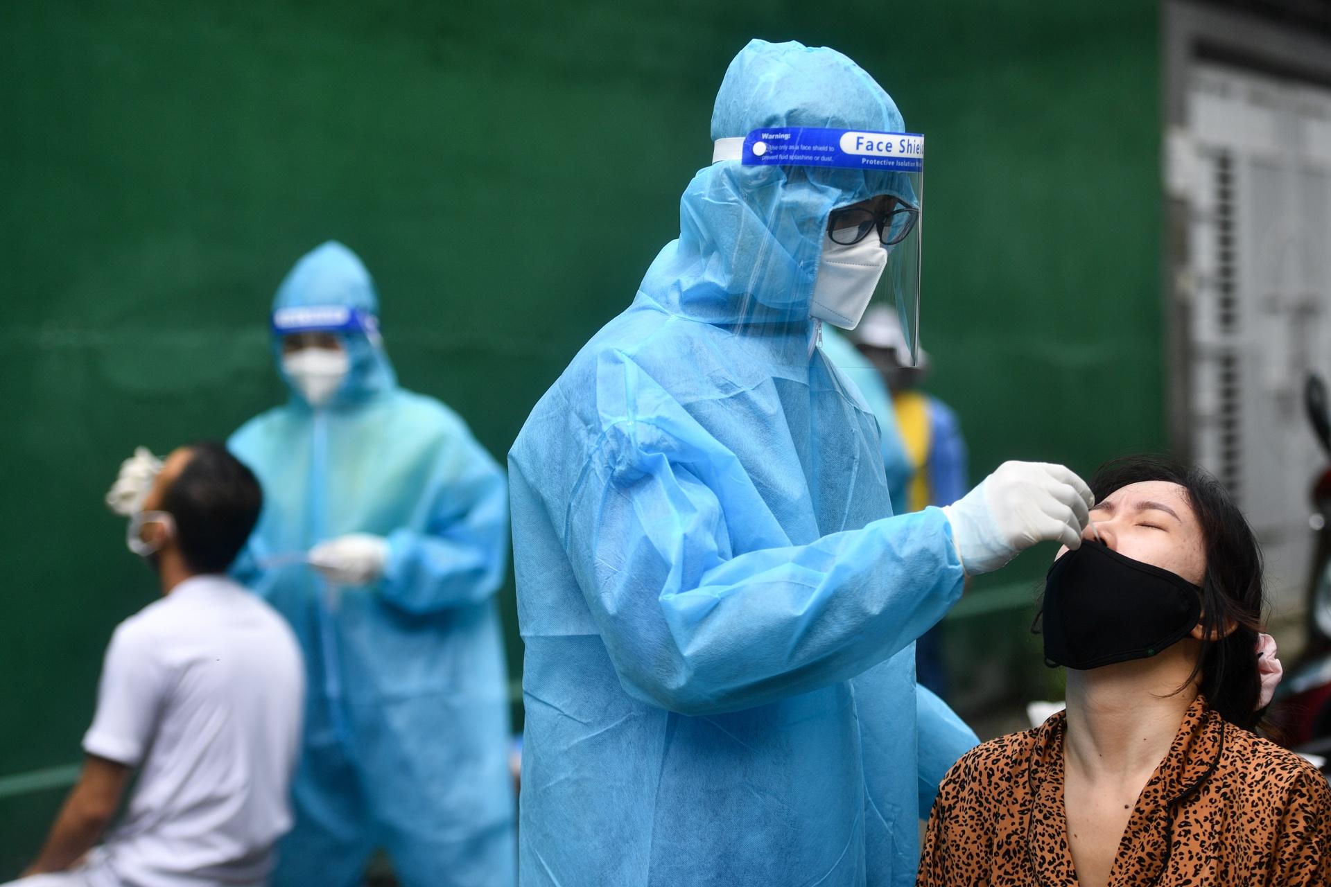 34 phuong o TP Thu Duc ngung tiem vaccine,  'than toc' xet nghiem anh 5