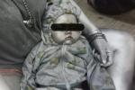 MXH lan truyền bức ảnh bé trai 10 tháng tuổi bị xịt sơn bạc đầy người, biết chân tướng sự việc cảnh sát lập tức bắt giữ bà mẹ
