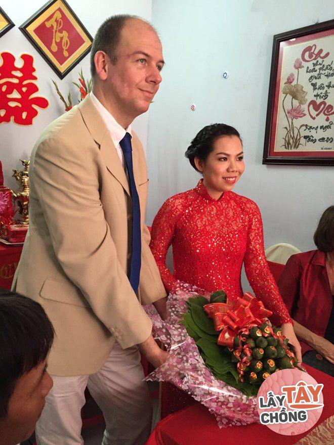 Đám hỏi của chị ở Việt Nam.