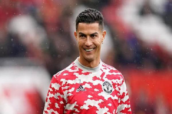 Ronaldo nói gì về kỷ lục xuất sắc nhất tháng ở Ngoại hạng Anh?