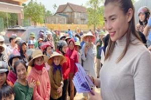Giữa cơn bão 'sao kê', các sao Việt phản ứng thế nào khi vướng lùm xùm từ thiện?