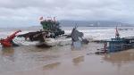 Đà Nẵng: Sóng đánh nát 2 tàu cá của ngư dân