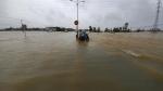 Miền Trung: Mưa lũ lớn đe dọa, bão chực chờ