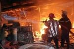 Hỏa hoạn thiêu rụi hơn 1.700m2 nhà xưởng hai công ty ở cụm công nghiệp Quang Trung